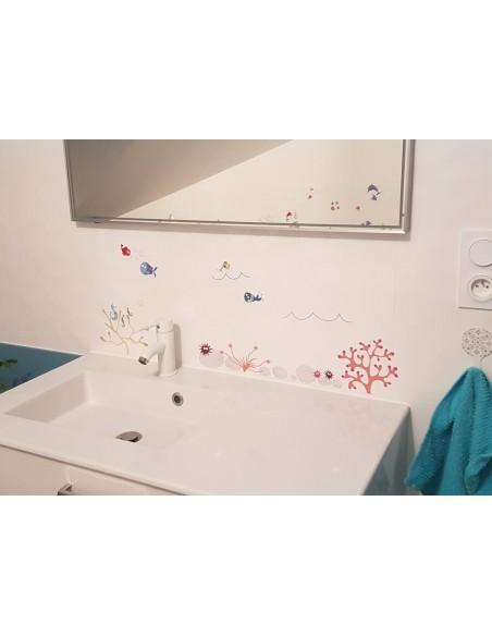 Sticker de la mer. Photo de la salle de bain d'une cliente satisfaite